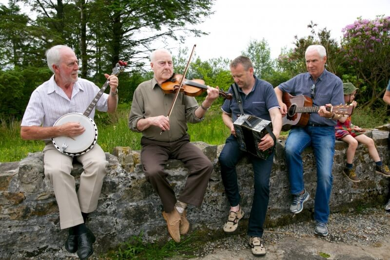Musical Welcome to the home of Seán Mac Diarmada
